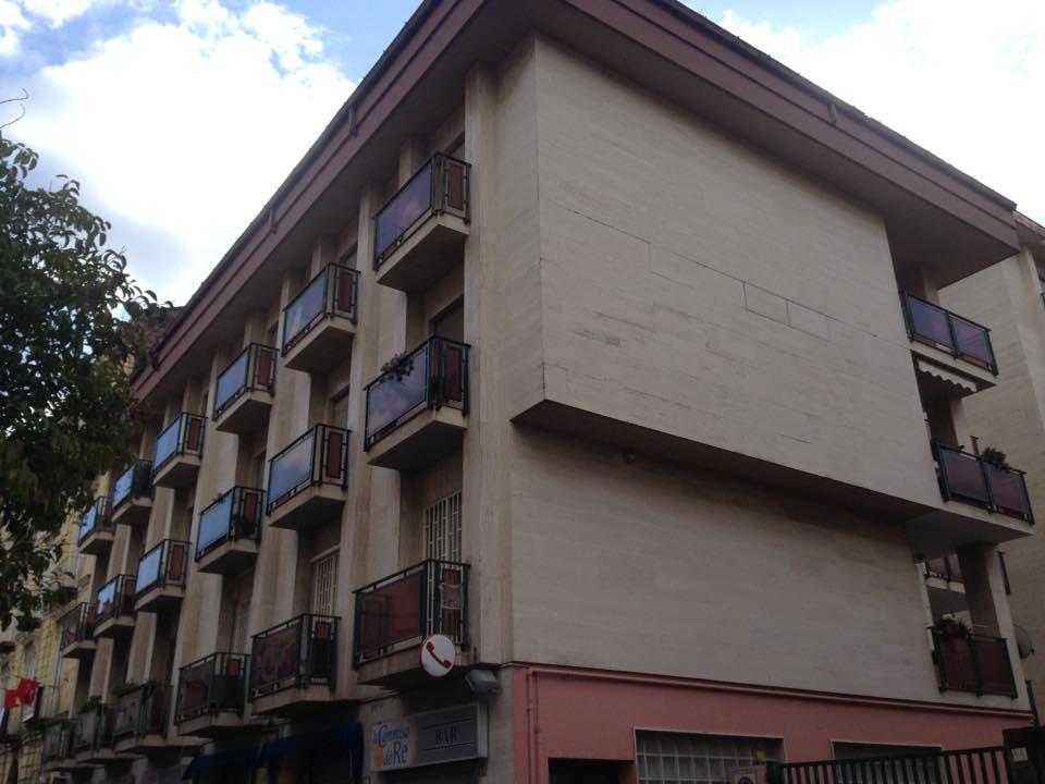 Caserta Centro via Verdi zona Stazione mansarda con box auto