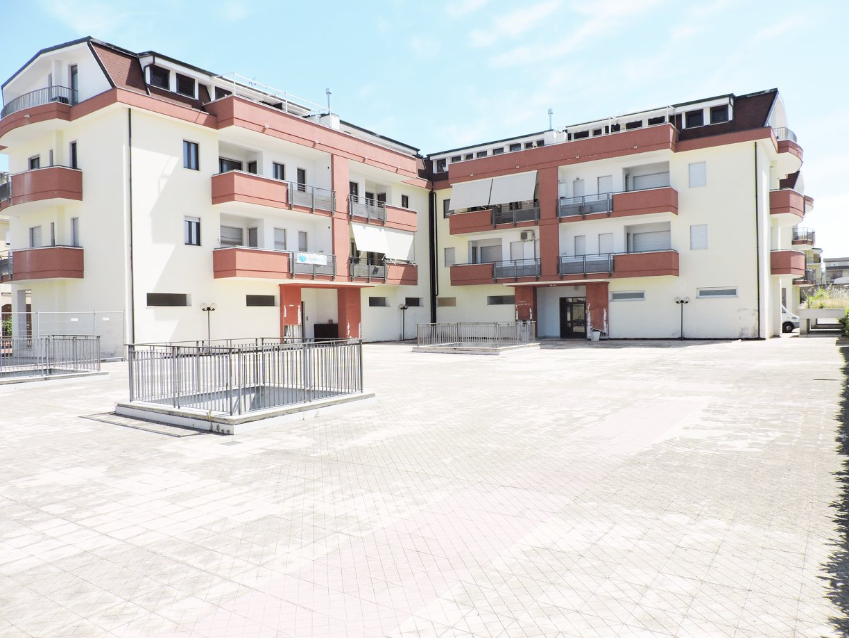 Appartamenti e mansarde da ultimare Casagiove via Recalone