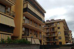 Vendesi S. Nicola la Strada Zona Mercato Appartamento con Giardino-PANORAMICA PALAZZO